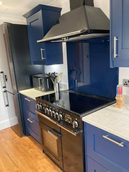 Amazing kitchen refurbishment completed in Chepstow – looks fabulous, and clients are delighted!